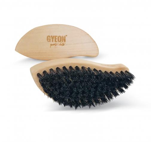 Щетка для кожи из натурального конского волоса GYEON LEATHERBRUSH GYQ531